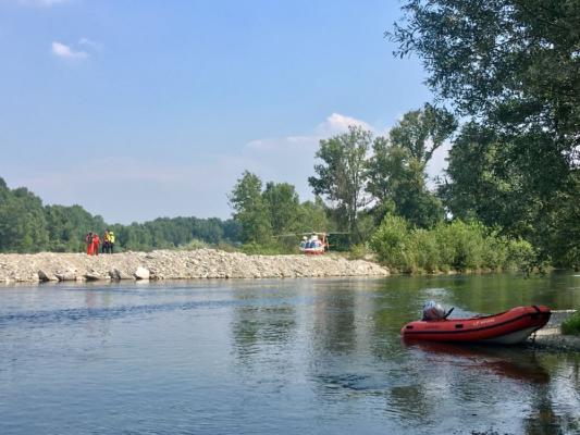 Donna scivola e annega trascinata dal Ticino
