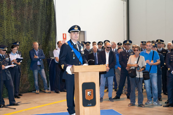 Al Centenario del 21° Gruppo Cameri la visita del Col.De Simone