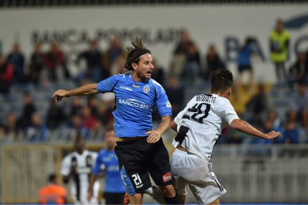 E' la legge di Cacia: il Novara passa a Piacenza 3-0