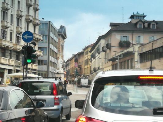 Il Comando di Polizia Locale comunica una serie di variazioni, chiusure e limitazioni previste alla viabilità nei prossimi giorni nella città di Novara.