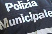 Polizia locale, multa e daspo urbano per accattonaggio