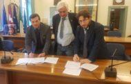 Istituto Omar a Oleggio, firmata la convenzione tra Provincia e Comune