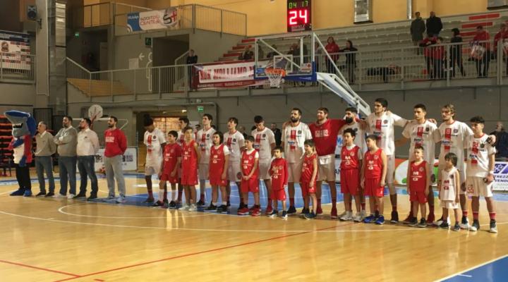 Basket Serie B. In vetta Omegna allunga. Oleggio nella tana di Piombino