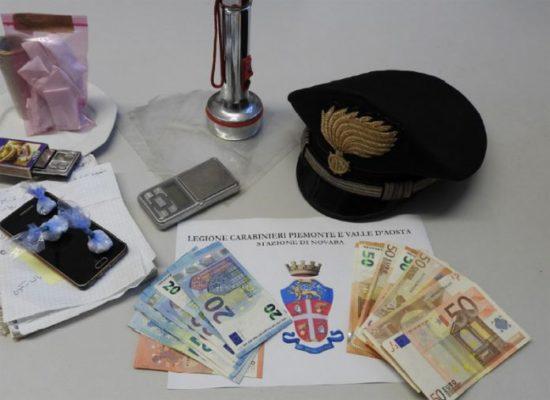 Trecate cocaina in una torcia arrestato