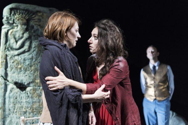 La tragedia di Antigone per due giorni al teatro Faraggiana