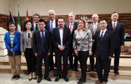 Delegazione del Sichuan Cancer Hospital in visita al Maggiore
