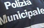 Commercio abusivo in strada, donna multata dai vigili