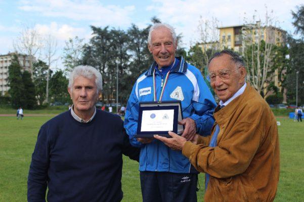 Frantumato anche il record mondiale dei 5000: Antonio Nacca è leggenda
