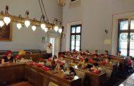 """Allievi della """"Don Milani"""" in visita al Municipio di Novara"""