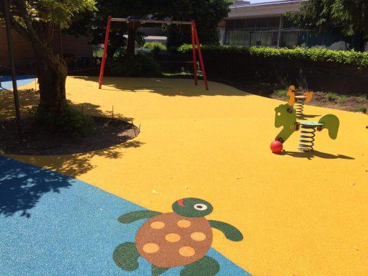 Borgomanero giochi nuovi e più sicuri per le scuole cittadine