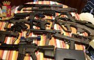 Armi da guerra e missili sequestrati all'estrema destra, perquisizioni a Oleggio
