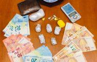 Dosi di cocaina in auto e a casa, arrestato dai carabinieri