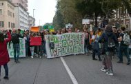 Fridays for Future: duemila studenti in corteo a Novara