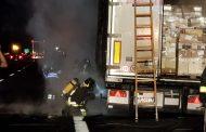 Camion a fuoco stanotte vicino al casello Novara Ovest