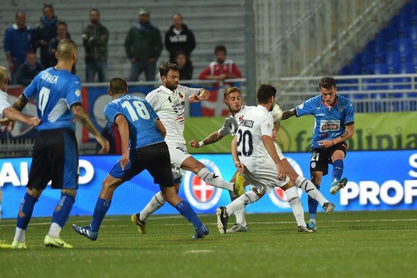 Il Novara sbatte contro il muro Pistoiese e gli svarioni clamorosi dell'arbitro