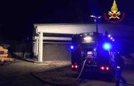 Novara, in fiamme compost al deposito di via Mirabella