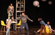 Al teatro di Pernate la commedia «Uova al tegamino»