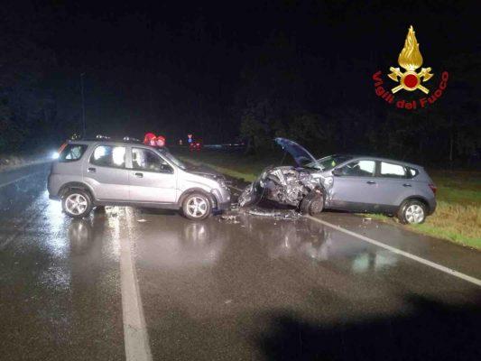 Gozzano: frontale fra due auto, ferita una ragazza