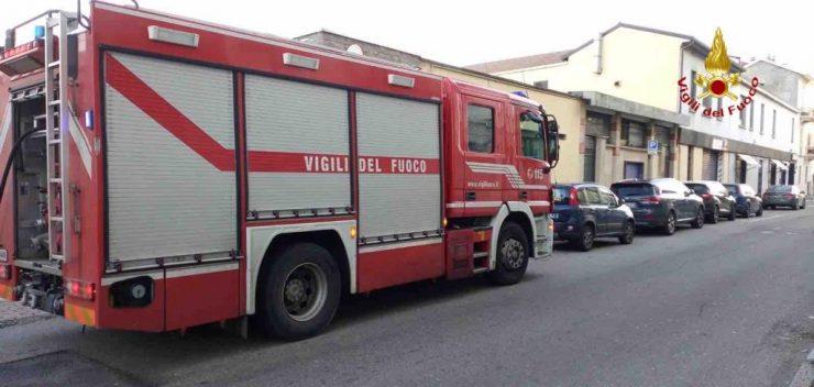 incendio via Oxilia Vigili del Fuoco Novara