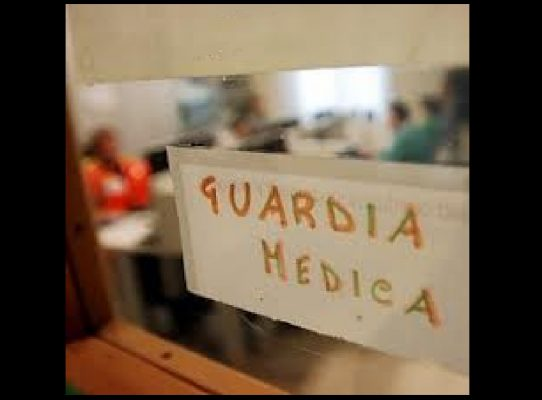 Insulta dottoressa su Facebook, denunciata dall'Ordine dei Medici di Novara