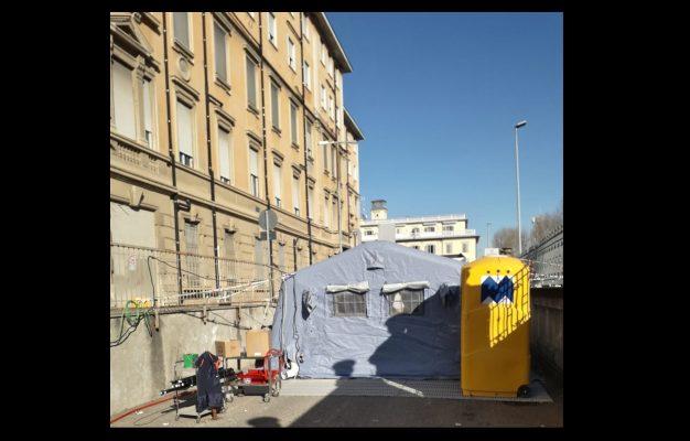"""Coronavirus Novara. Al Maggiore allestita la tenda per i controlli: """"Evitare l'accesso al Pronto Soccorso"""""""
