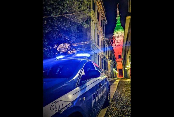 Urla e bestemmie poi la violenza ad un agente: arrestato un 40enne in corso Cavour