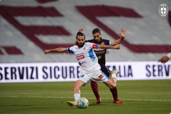 Vince la Reggiana, ma il Novara abbandona il sogno serie B a testa altissima