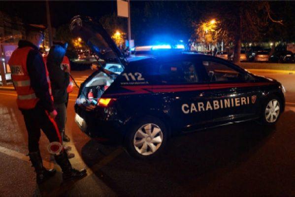 Picchia e rapina la convivente in via Turati, 31enne arrestato dai Carabinieri di Novara