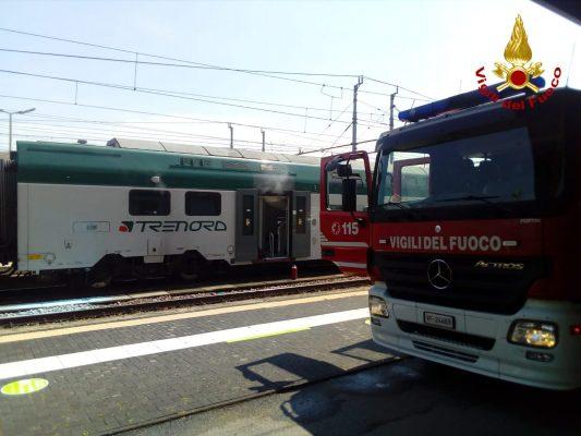 fiamme stazione Novara vigili del fuoco vagone