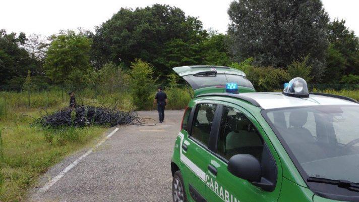 Perde l'iPhone nel lago d'Orta, Valerio Bossi glielo ritrova dopo 3 giorni ancora acceso a 10 mt di profondità