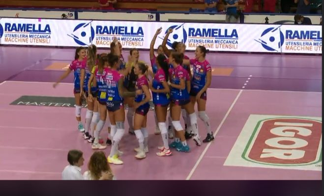 Buona la prima per l'Igor Volley Novara. In Supercoppa facile 3-1 al Perugia