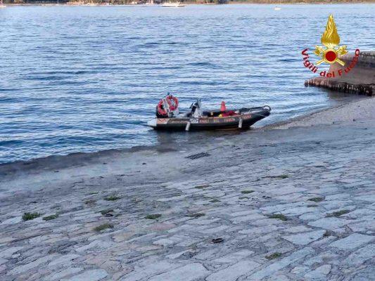 Ad Arona ragazzo 20enne annega nel lago Maggiore. Il corpo recuperato dai VVF