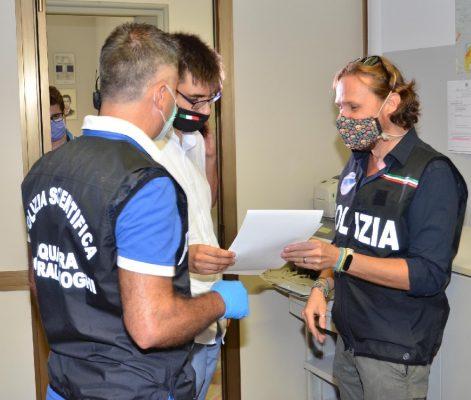 Riccardo dono bicletta Questura Novara