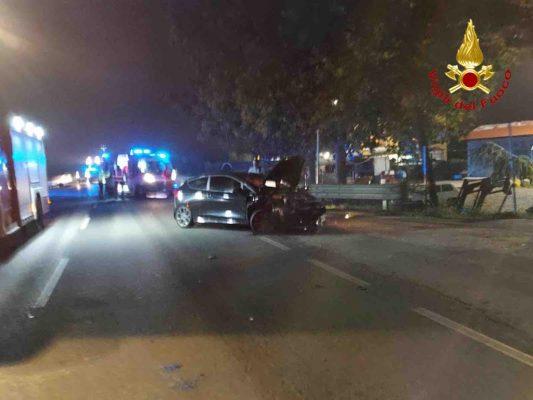 scontro incidente sette auto corso Milano Novara