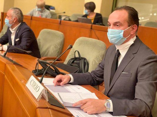 Dati in crescita in Piemonte, dal Presidente Cirio una nuova ordinanza restrittiva anti covid