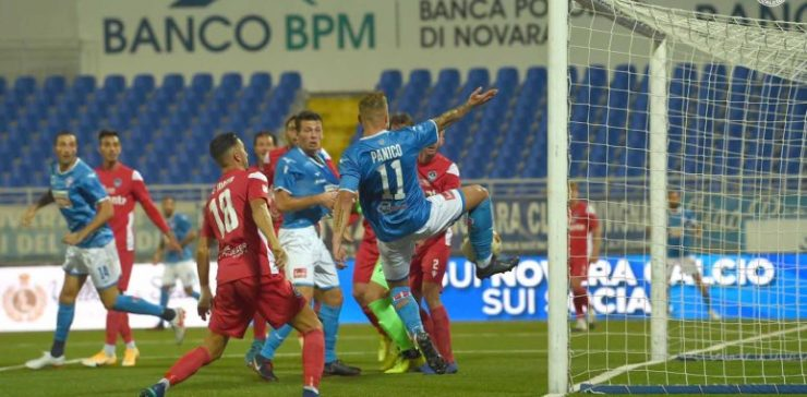 Un primo tempo di goal e spettacolo, poi il Novara resiste alla Giana Erminio e vince 2-1