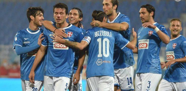 Una giornata che sembrava perfetta. Novara-Carrarese finisce 1-1 e sfuma ancora per gli azzurri la vetta solitaria per gli azzurri