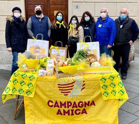 """Ai Mercati di Campagna Amica, la solidarietà verso chi ha bisogno, con la spesa contadina """"sospesa"""""""