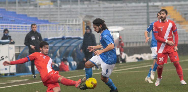 Manca il goal non l'impegno. Il Novara è spuntato e con la Pro Patria è solo 0-0