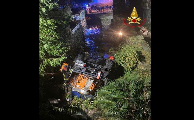 Due denunciati ed un camion sequestrato a Novara con 18 mila kg di rifiuti metallici