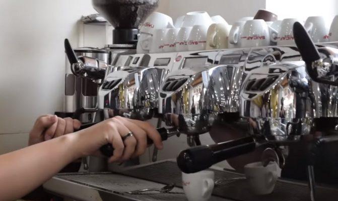 Sanzioni per oltre 1400 euro al Bar di corso Milano senza licenza, aperto anche oltre le 18