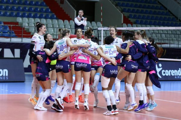 Impresa Igor Novara ad Istanbul: vittoria per 3-1 contro Fenerbahce che ipoteca la semifinale