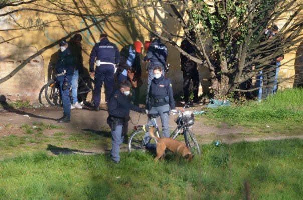 Controlli serrati a Sant'Agabio. Operazione congiunta di Questura e Polizia locale dopo le segnalazioni dei residenti