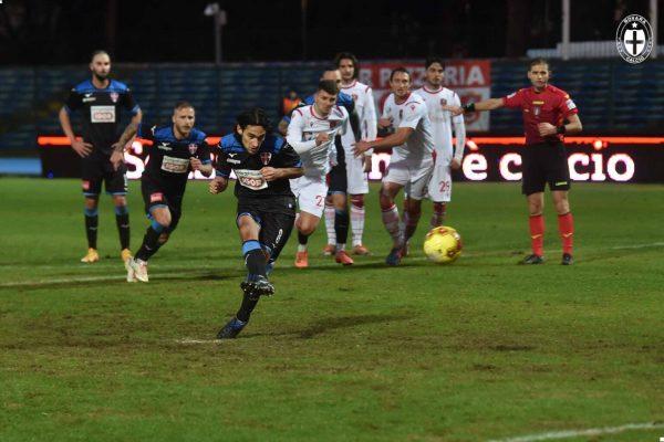 Albinoleffe-Novara finisce 1-1, con gli azzurri che avrebbero meritato certamente di più