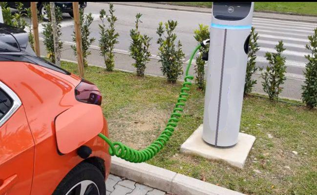 Colonnine per la ricarica di veicoli elettrici, la Provincia di Novara capofila del progetto Interreg Slowmove