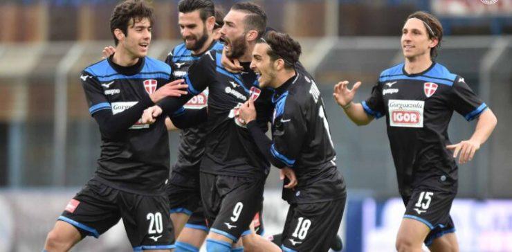 Il Novara batte la Pro Patria e le assenze. Il derby del Ticino vale un insperato posto play-off