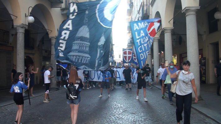 tifosi Novara calcio sfilata protesta