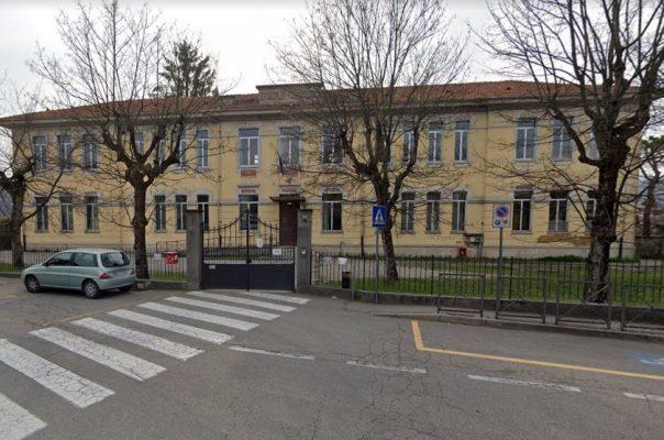 Schianto sulla A26, nella notte muore Bruna Giop, vice preside al Liceo Galilei di Gozzano