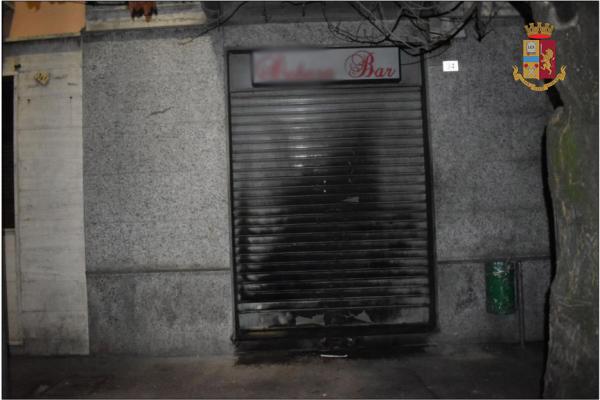 Arrestato l'uomo della molotov di corso Trieste, da mesi stalkerava la titolare del bar